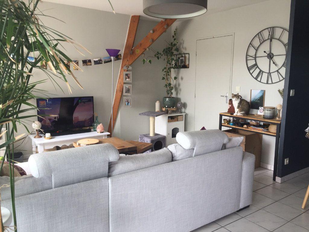 Appartement à louer 2 43.16m2 à Saint-Cyr-sur-Loire vignette-4