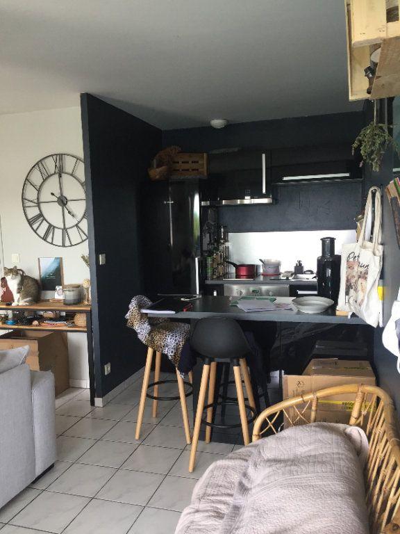 Appartement à louer 2 43.16m2 à Saint-Cyr-sur-Loire vignette-5