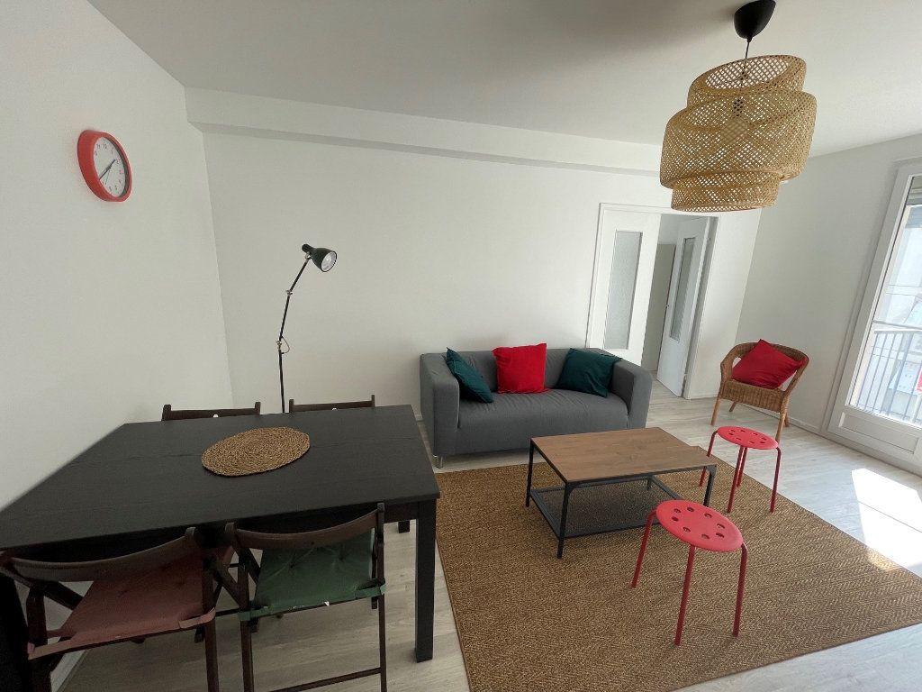 Appartement à louer 1 10.9m2 à Tours vignette-2