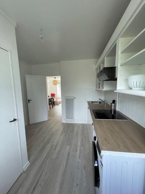 Appartement à louer 1 10.9m2 à Tours vignette-4