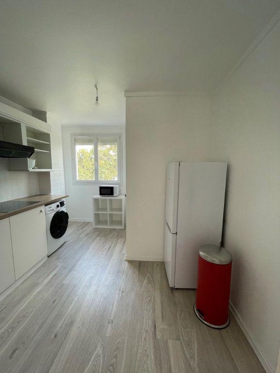 Appartement à louer 1 9.55m2 à Tours vignette-2