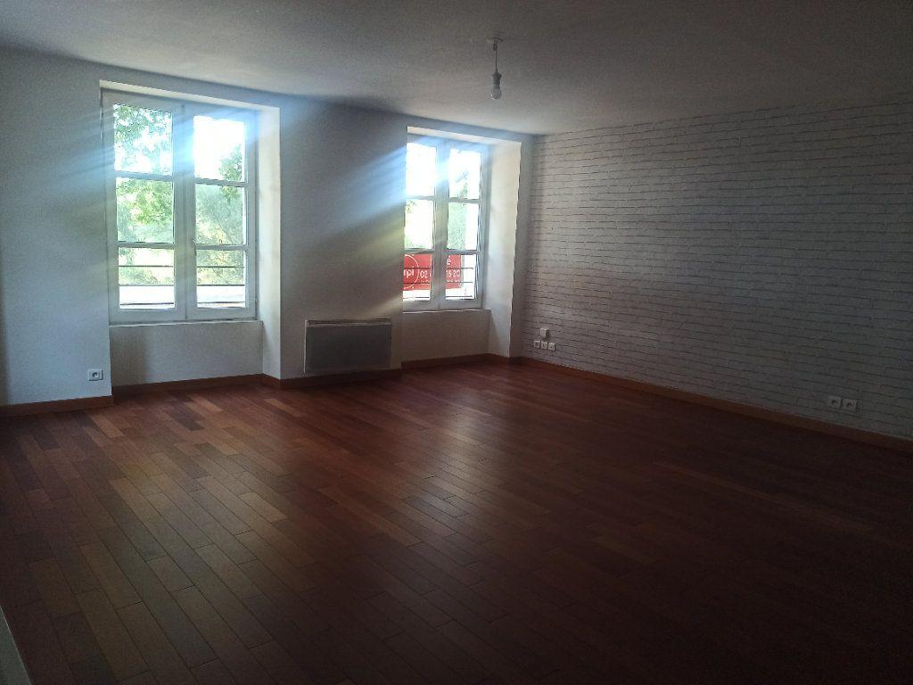 Appartement à louer 4 91.55m2 à Tours vignette-2