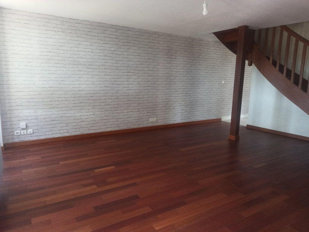 Appartement à louer 4 91.55m2 à Tours vignette-3