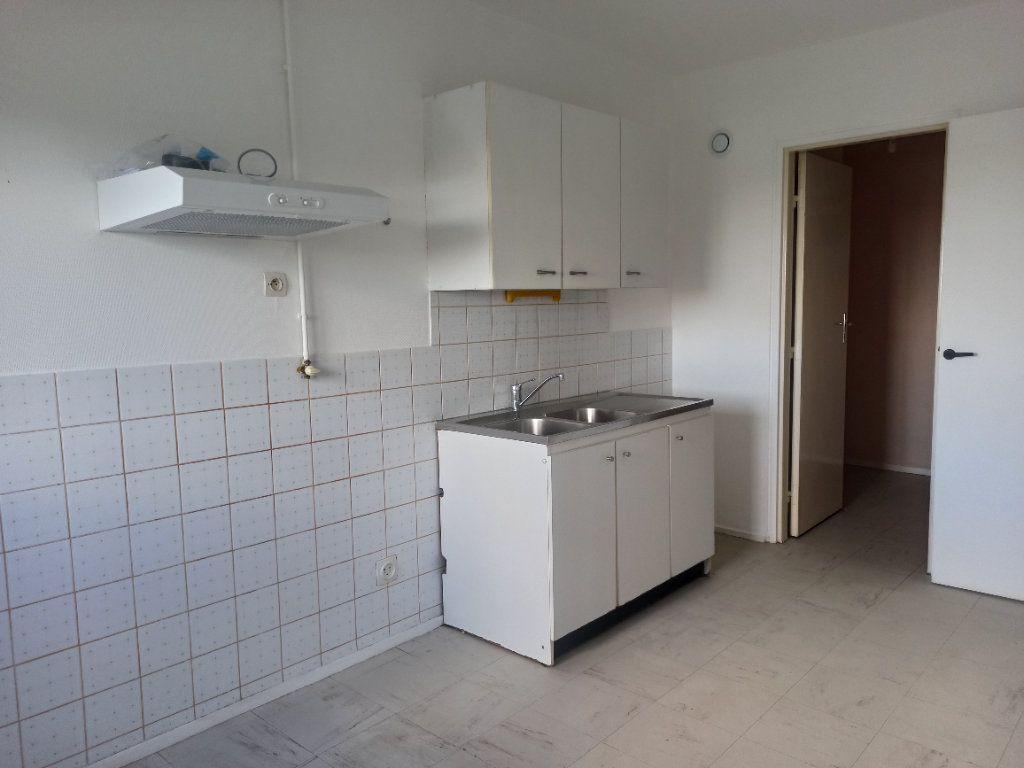 Appartement à louer 3 63m2 à Tours vignette-4