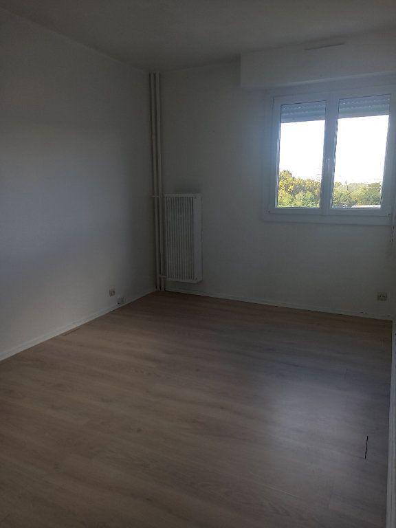 Appartement à louer 3 63m2 à Tours vignette-5