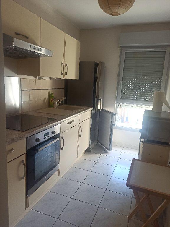 Appartement à louer 2 55.98m2 à La Riche vignette-2