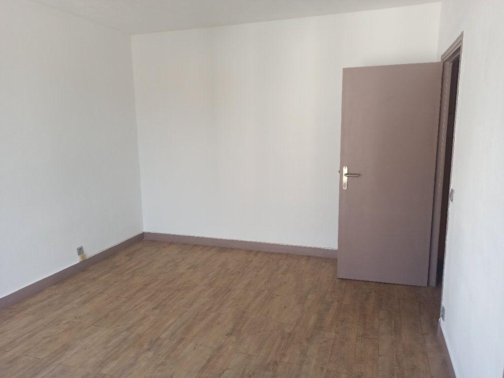 Appartement à louer 1 28.68m2 à Tours vignette-2