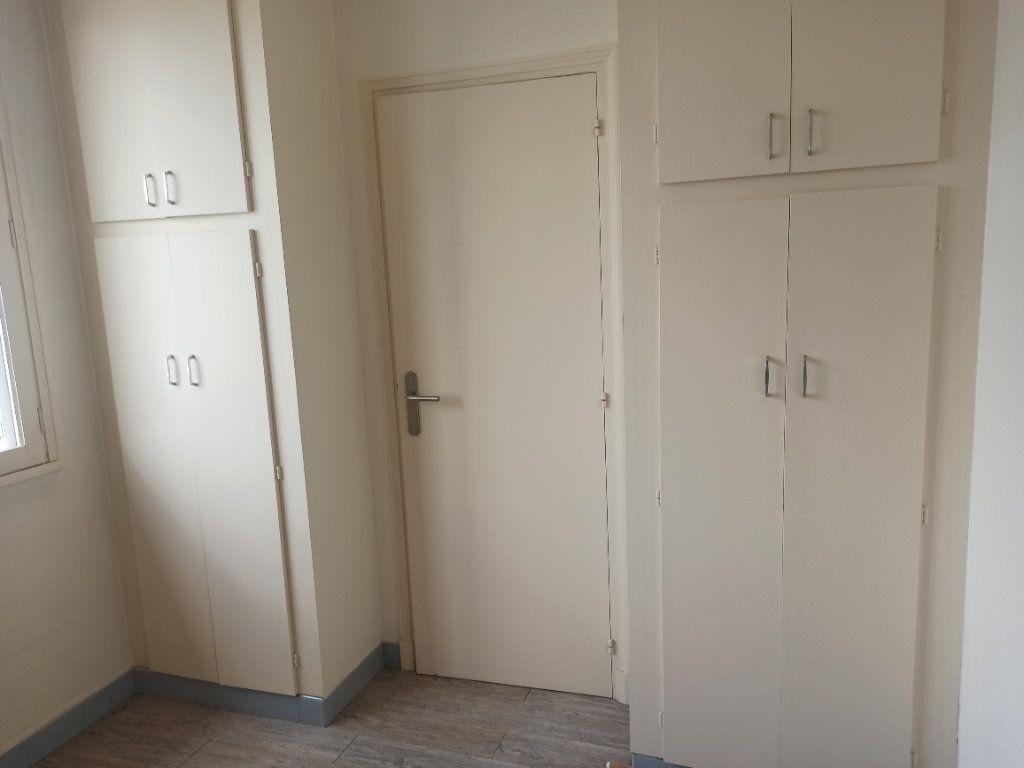 Appartement à louer 1 28.68m2 à Tours vignette-5