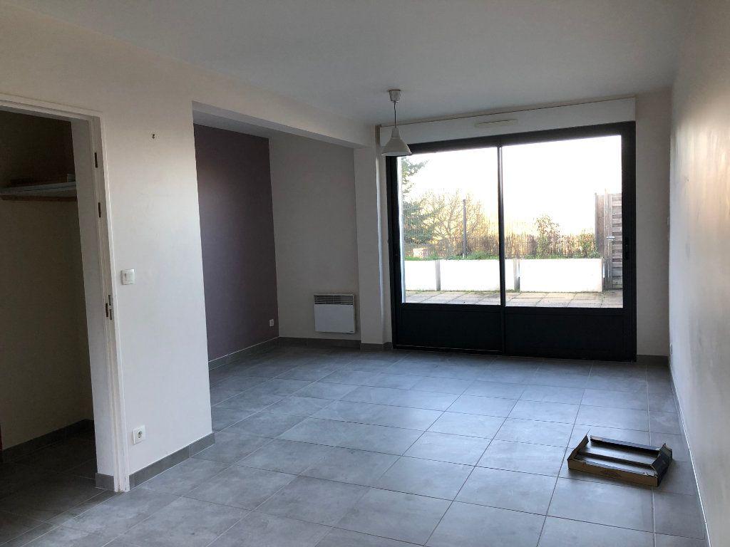 Maison à louer 4 80m2 à Amboise vignette-3