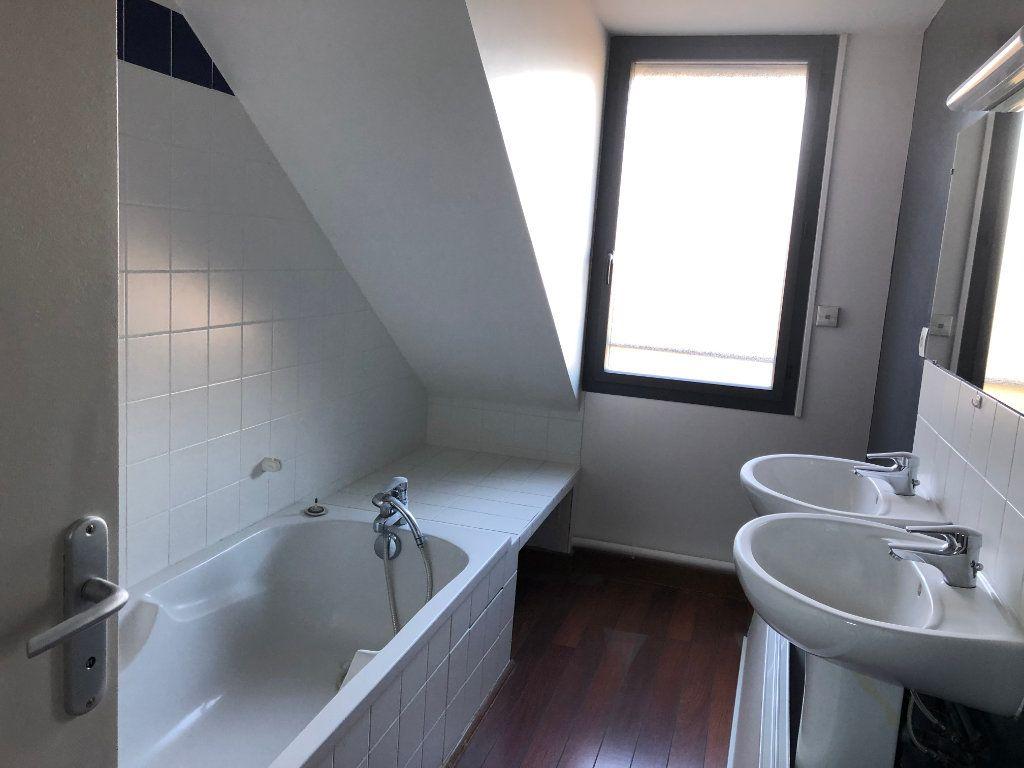 Maison à louer 4 80m2 à Amboise vignette-6