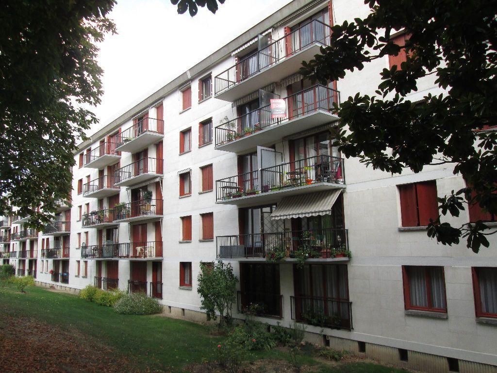 Appartement à louer 3 59.39m2 à Joué-lès-Tours vignette-1