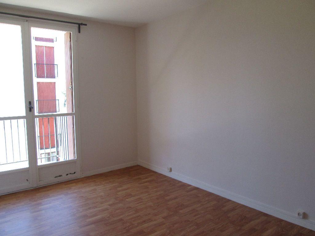 Appartement à louer 3 59.39m2 à Joué-lès-Tours vignette-2