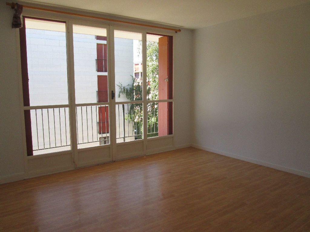 Appartement à louer 3 59.39m2 à Joué-lès-Tours vignette-4