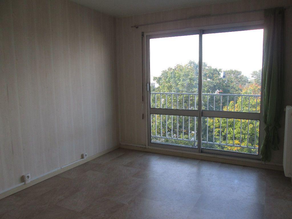 Appartement à louer 2 58.57m2 à Joué-lès-Tours vignette-5