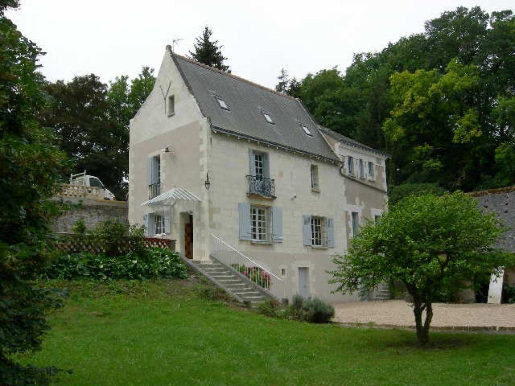 Maison à louer 5 173.19m2 à Joué-lès-Tours vignette-1