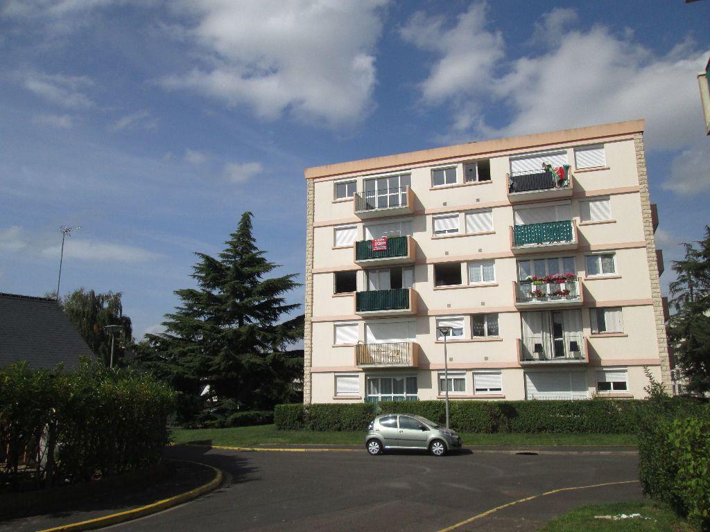 Appartement à louer 2 43.1m2 à Joué-lès-Tours vignette-1