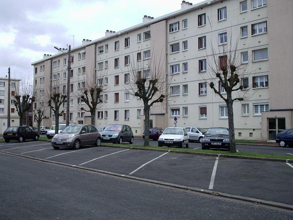 Appartement à louer 3 57.62m2 à Joué-lès-Tours vignette-1