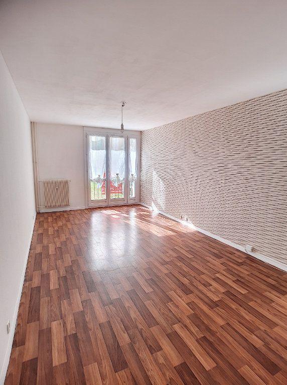 Appartement à louer 3 64m2 à Joué-lès-Tours vignette-1