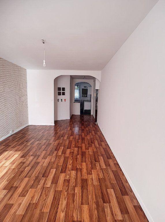 Appartement à louer 3 64m2 à Joué-lès-Tours vignette-2