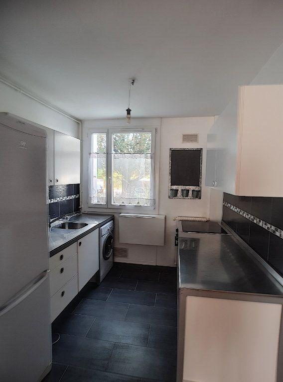 Appartement à louer 3 64m2 à Joué-lès-Tours vignette-3