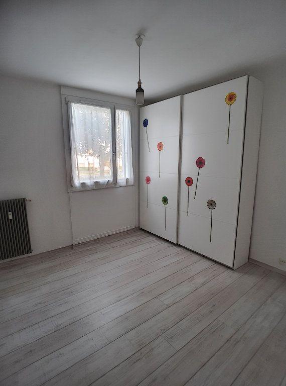 Appartement à louer 3 64m2 à Joué-lès-Tours vignette-5