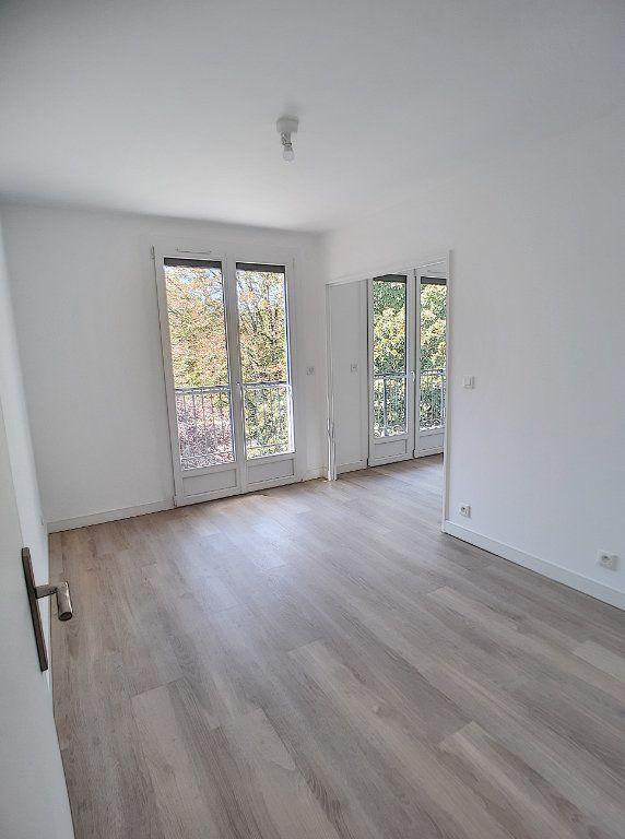 Appartement à louer 4 68.75m2 à Joué-lès-Tours vignette-3