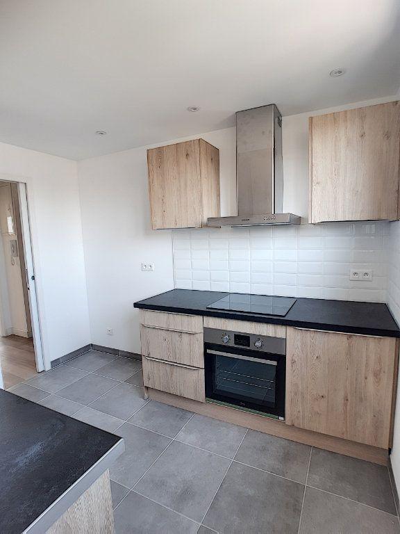 Appartement à louer 4 68.75m2 à Joué-lès-Tours vignette-4