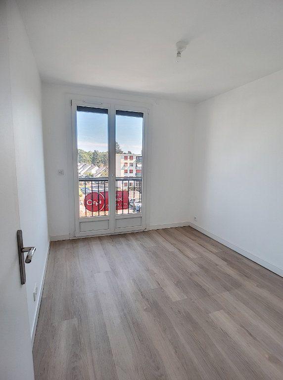 Appartement à louer 4 68.75m2 à Joué-lès-Tours vignette-9