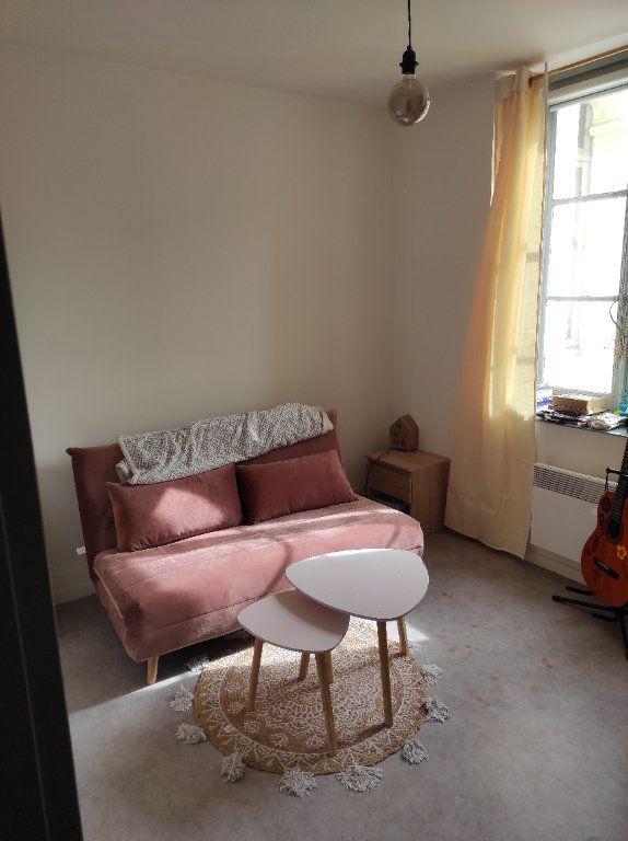 Appartement à louer 3 63m2 à Chinon vignette-2