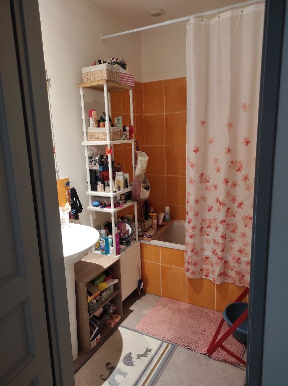 Appartement à louer 3 63m2 à Chinon vignette-8