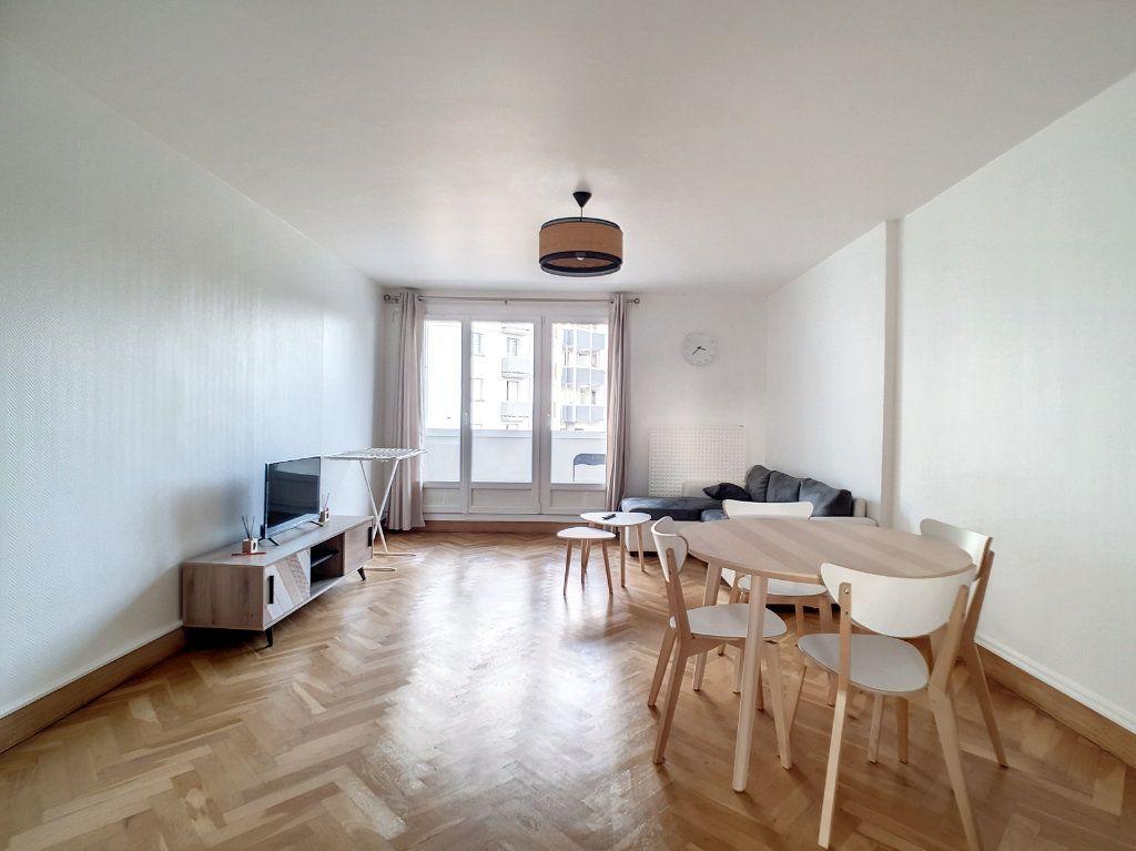 Appartement à louer 3 67m2 à Joué-lès-Tours vignette-1