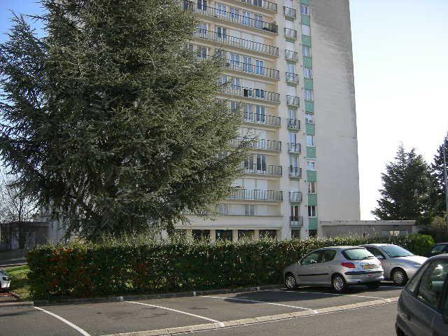 Stationnement à louer 0 12m2 à Joué-lès-Tours vignette-1