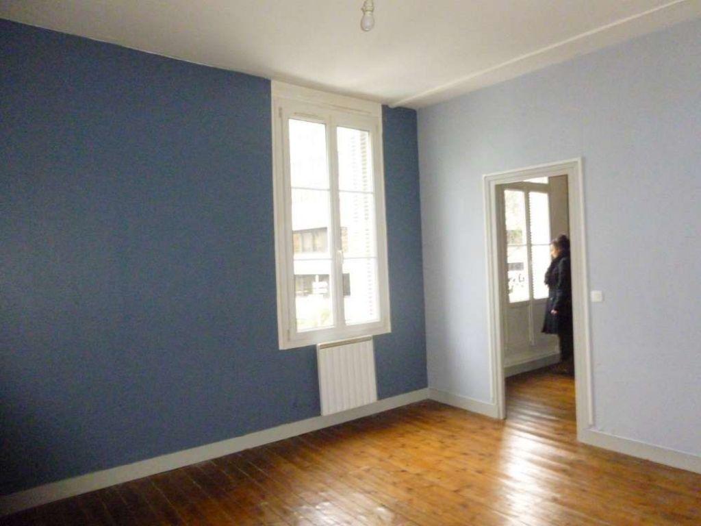 Appartement à louer 2 56.92m2 à Tours vignette-2