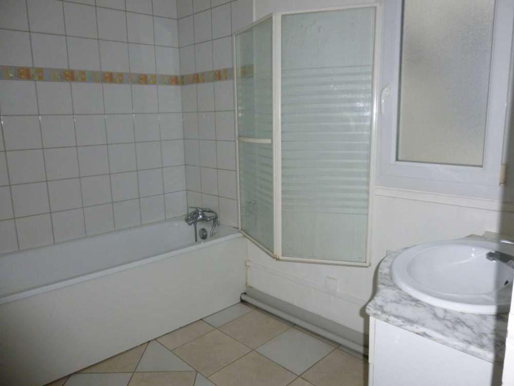 Appartement à louer 2 56.92m2 à Tours vignette-6