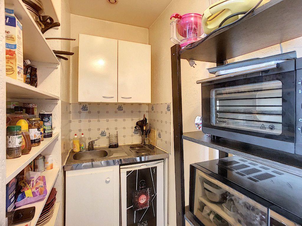 Appartement à louer 1 21.96m2 à Tours vignette-2