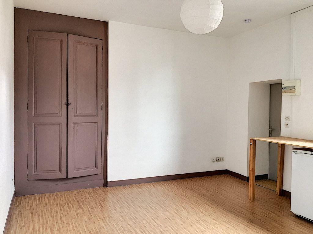 Appartement à louer 2 27.83m2 à Tours vignette-1
