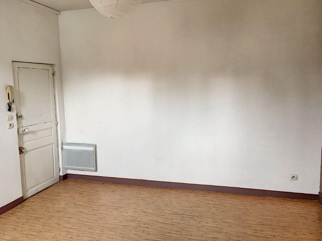 Appartement à louer 2 27.83m2 à Tours vignette-4