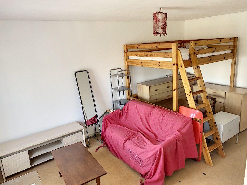 Appartement à louer 1 24.98m2 à Tours vignette-1