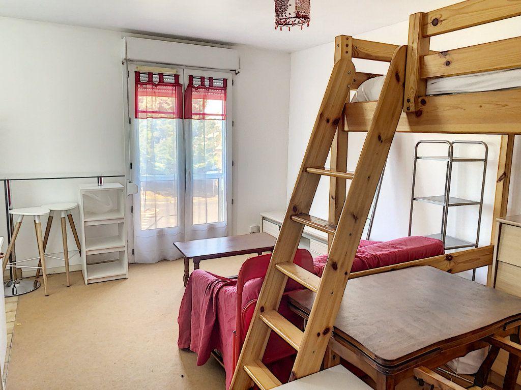 Appartement à louer 1 24.98m2 à Tours vignette-3