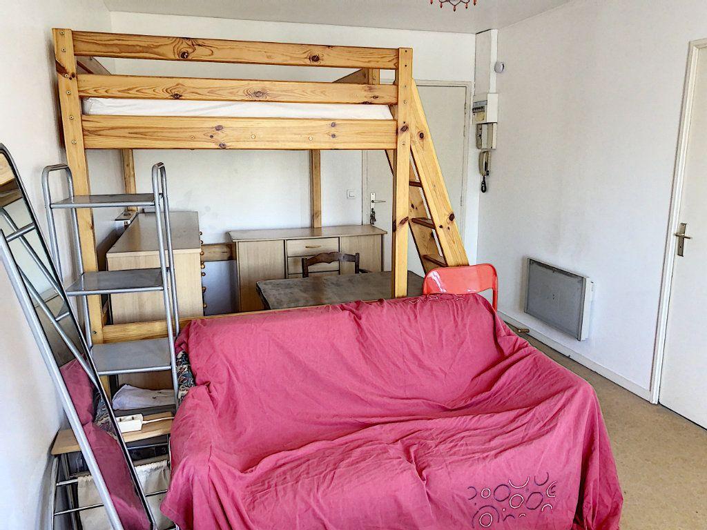 Appartement à louer 1 24.98m2 à Tours vignette-4