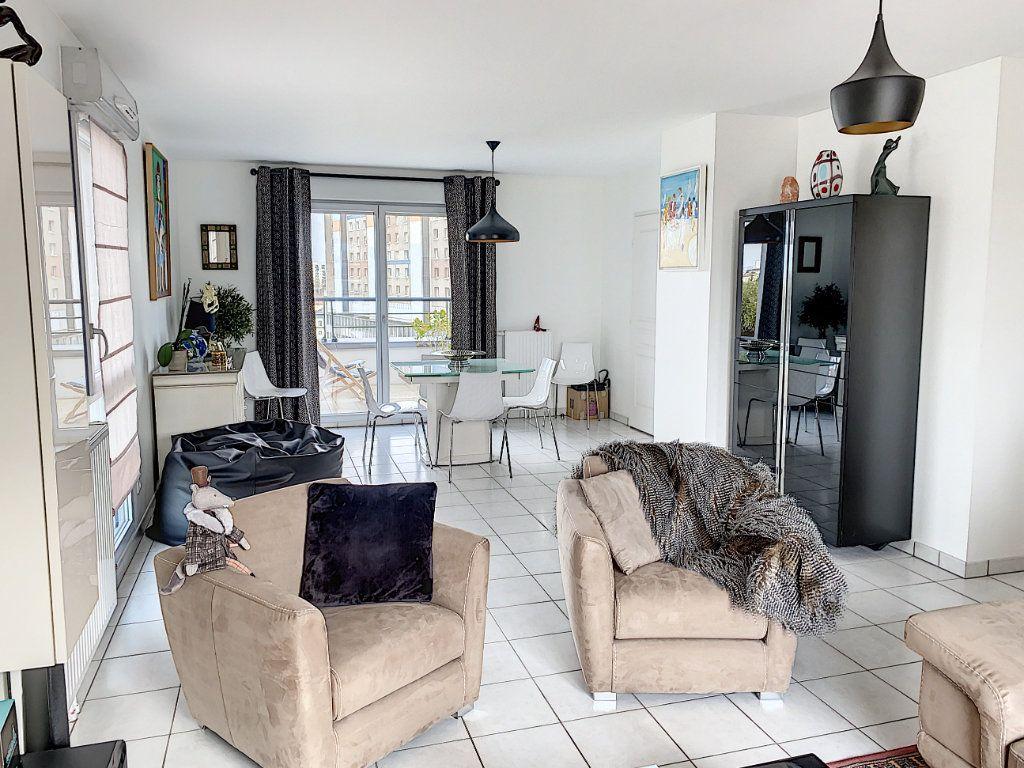 Appartement à vendre 4 92.42m2 à Tours vignette-10