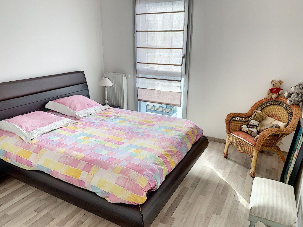Appartement à vendre 4 92.42m2 à Tours vignette-12