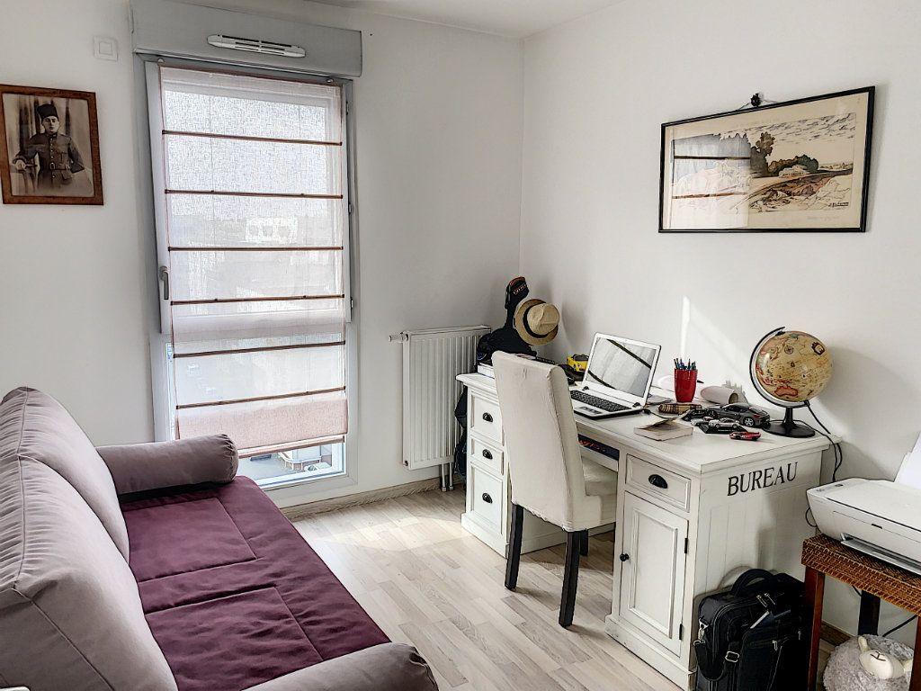 Appartement à vendre 4 92.42m2 à Tours vignette-13