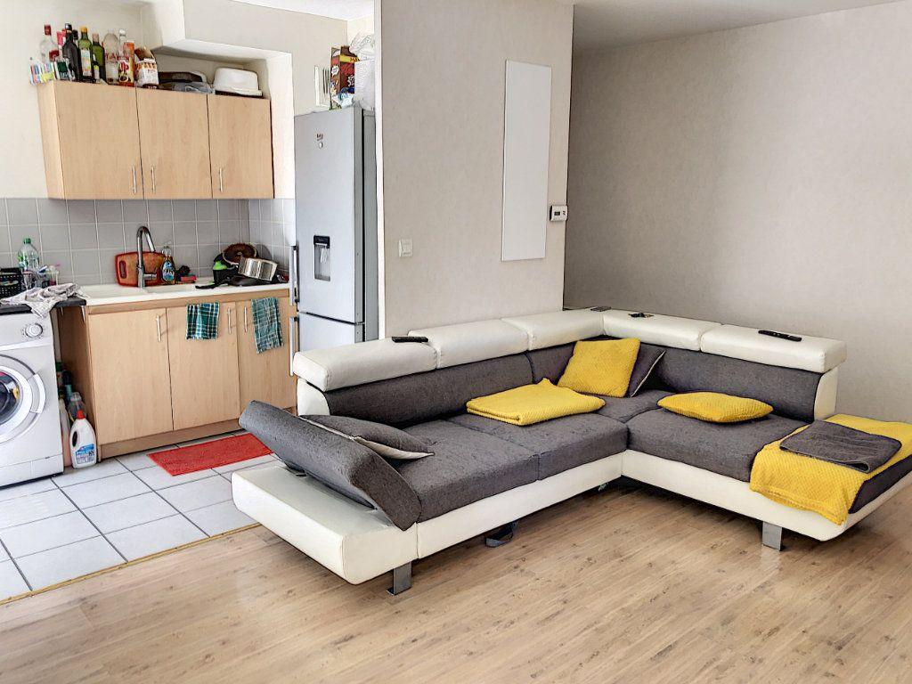 Appartement à vendre 2 49.8m2 à Tours vignette-1