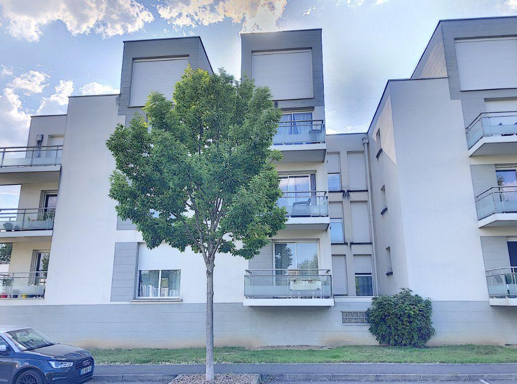 Appartement à vendre 2 49.8m2 à Tours vignette-3