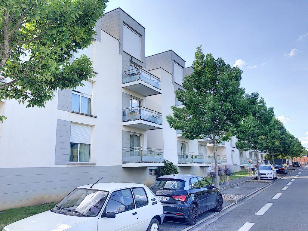 Appartement à vendre 2 49.8m2 à Tours vignette-6