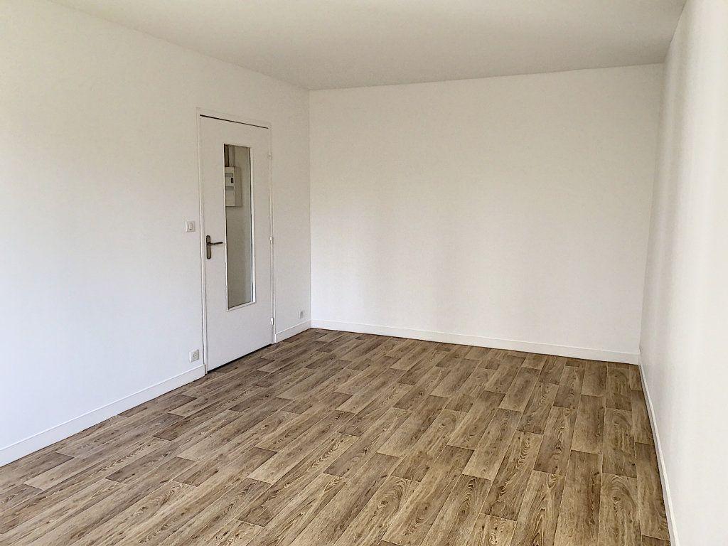 Appartement à louer 1 32.84m2 à Tours vignette-2