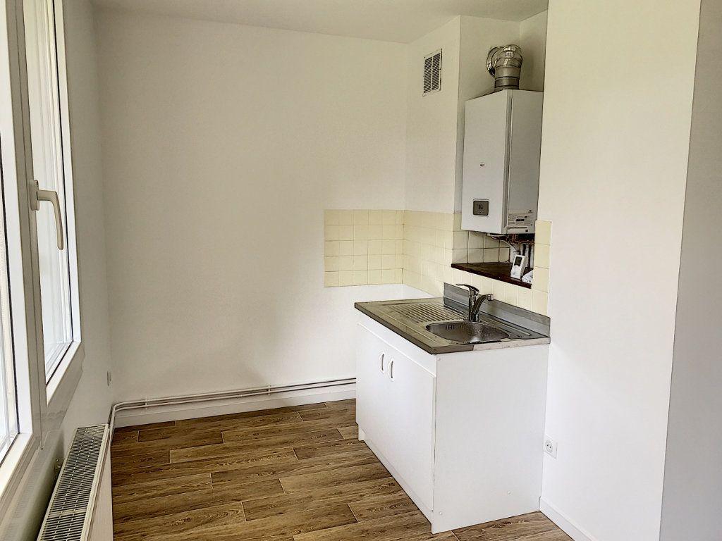 Appartement à louer 1 32.84m2 à Tours vignette-4