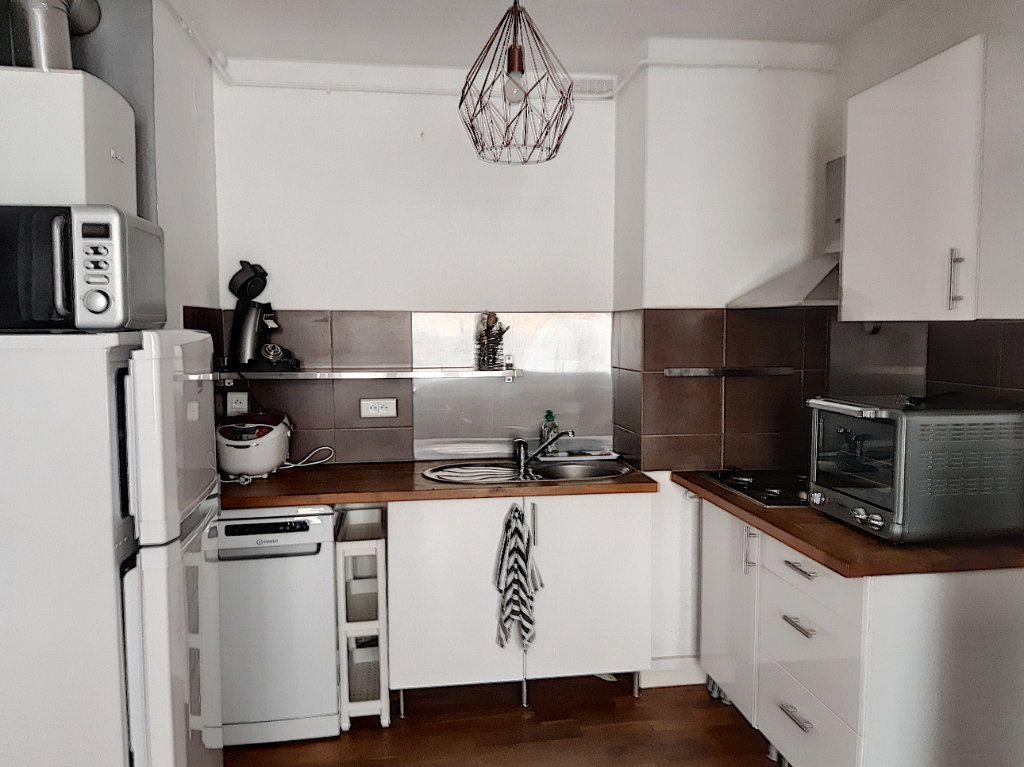 Appartement à louer 2 42.3m2 à Tours vignette-3