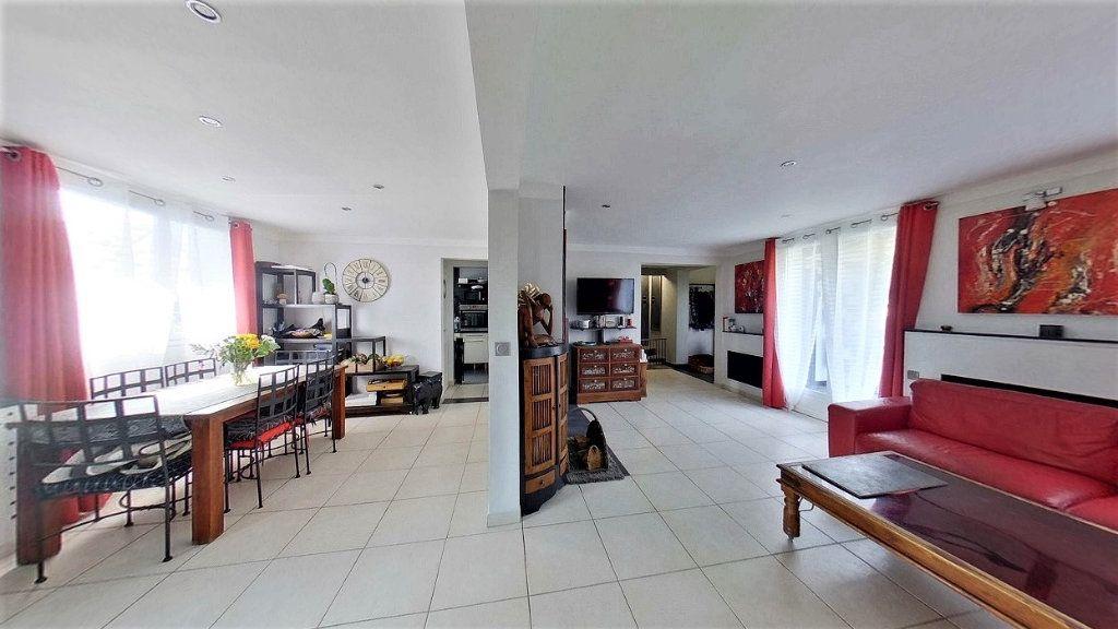 Maison à vendre 6 130m2 à Bezons vignette-3